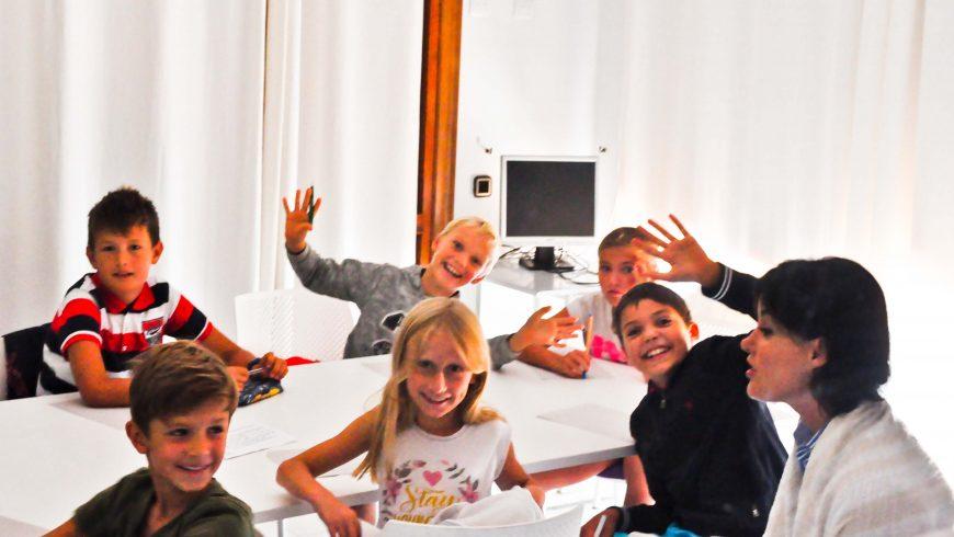 Начало занятий в школе «Класс!»  8 сентября